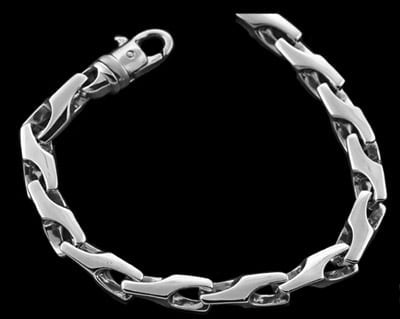 Link Connected Platinum Chain